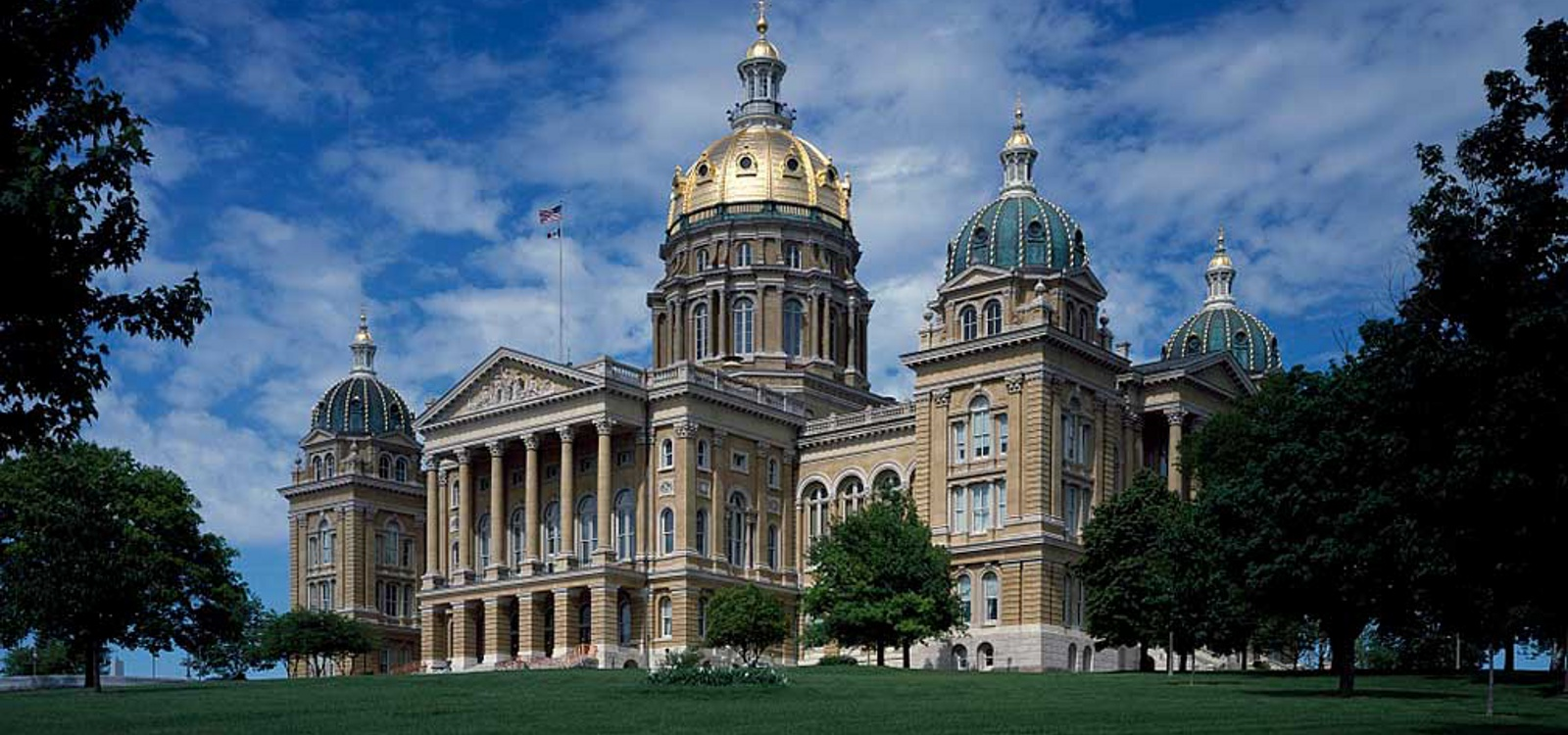 Tell the Politicians in Des Moines to Oppose Universal Background Checks!